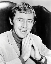 This is an image of Photograph & Poster of Noel Harrison 198135