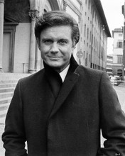 This is an image of Photograph & Poster of Cliff Robertson 198342