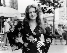 This is an image of Photograph & Poster of Bonnie Raitt 198668