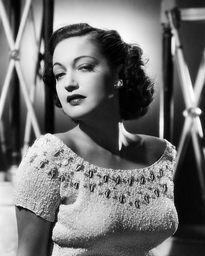 This is an image of Photograph & Poster of Dorothy Lamour 198515