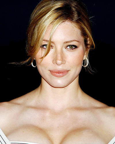This is an image of Photograph & Poster of Jessica Biel 292798