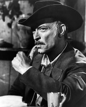 This is an image of Photograph & Poster of Lee Van Cleef 198948