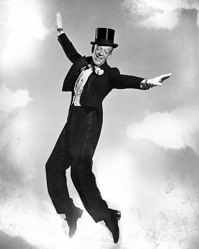 This is an image of Photograph & Poster of Fred Astaire 198871
