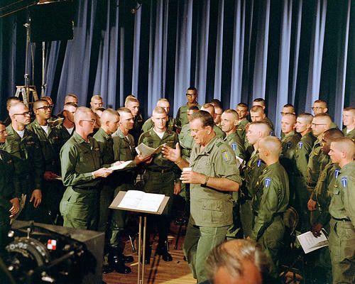 This is an image of Photograph & Poster of The Green Berets 290153