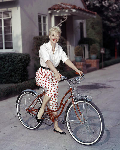 This is an image of Photograph & Poster of Doris Day 290932