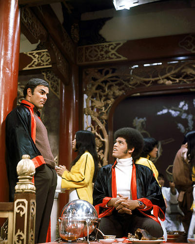 This is an image of Photograph & Poster of Enter the Dragon 290941