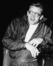 This is an image of 175372 James Dean Photograph & Poster