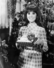 This is an image of Photograph & Poster of Marlo Thomas 194906