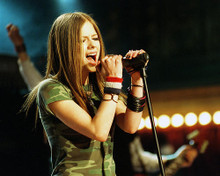 This is an image of 257314 Avril Lavigne Photograph & Poster