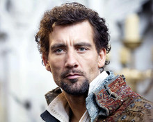 This is an image of 276654 Clive Owen Photograph & Poster