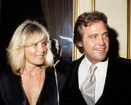 This is an image of 282776 Lee Majors and Linda Evans Photograph & Poster
