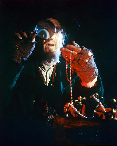 This is an image of 246127 Ron Moody Photograph & Poster