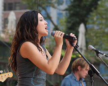 This is an image of 256365 Michelle Branch Photograph & Poster