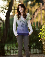 This is an image of 282914 Emma Roberts Photograph & Poster