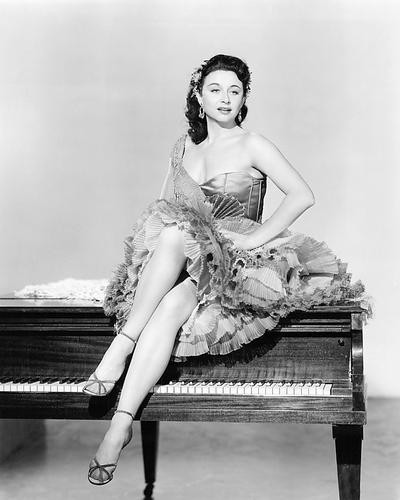 This is an image of 194468 Yvonne De Carlo Photograph & Poster