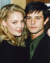 This is an image of 246360 Jason Behr and Katherine Heigl Photograph & Poster