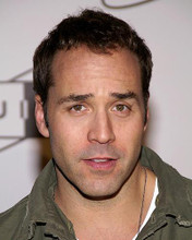This is an image of 270475 Jeremy Piven Photograph & Poster