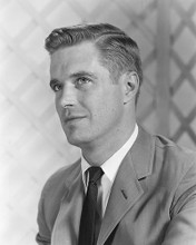 This is an image of 171084 George Peppard Photograph & Poster