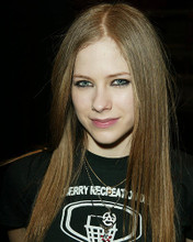This is an image of 254538 Avril Lavigne Photograph & Poster