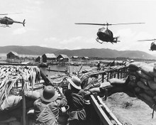 This is an image of 176978 Apocalypse Now Photograph & Poster