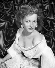 This is an image of 178707 Maureen O'Hara Photograph & Poster