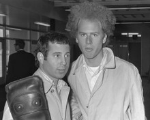 This is an image of Photograph & Poster of Simon and Garfunkel 102777