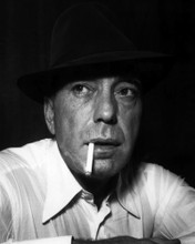This is an image of Photograph & Poster of Humphrey Bogart 102832