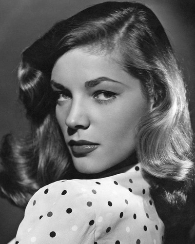 This is an image of Photograph & Poster of Lauren Bacall 102870