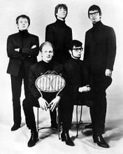 This is an image of Photograph & Poster of Manfred Mann 194371