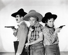 This is an image of Photograph & Poster of The Marx Brothers 196886