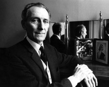This is an image of Photograph & Poster of Peter Cushing 102898