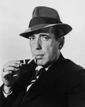 This is an image of Photograph & Poster of Humphrey Bogart 102903