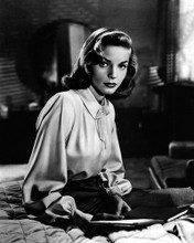 This is an image of Photograph & Poster of Lauren Bacall 102914