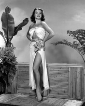This is an image of Photograph & Poster of Jean Peters 103061