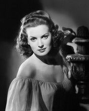 This is an image of Photograph & Poster of Maureen Ohara 103072