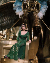 This is an image of Prints & Posters of Elizabeth Taylor 298678