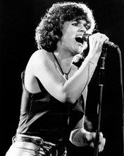This is an image of Prints & Posters of Linda Ronstadt 103489
