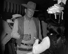 This is an image of Prints & Posters of John Wayne 103652