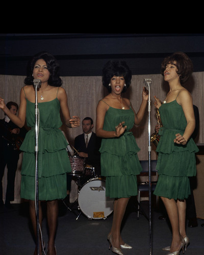 This is an image of Prints & Posters of The Supremes 299492