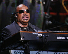 This is an image of Prints & Posters of Stevie Wonder 299349