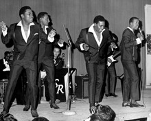This is an image of Prints & Posters of The Four Tops 103616