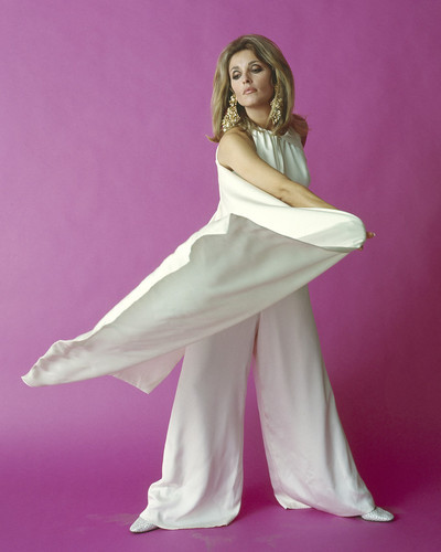 This is an image of Prints & Posters of Sharon Tate 299688