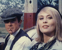 This is an image of Prints & Posters of Bonnie and Clyde 299594