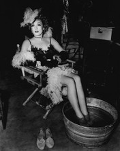 This is an image of Prints & Posters of Marlene Dietrich 103803