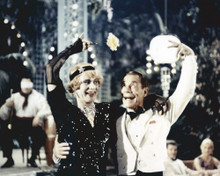 This is an image of Prints & Posters of Some Like It Hot 299771