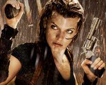 This is an image of Prints & Posters of Milla Jovovich 299785