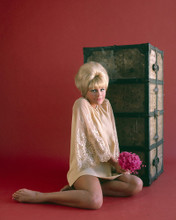 This is an image of Prints & Posters of Elke Sommer 201051