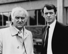 This is an image of Prints & Posters of Inspector Morse 103945