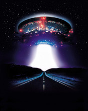 This is an image of Prints & Posters of Close Encounters 201259