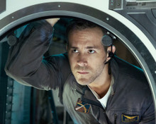 This is an image of Prints & Posters of Ryan Reynolds 201302